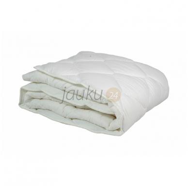 "Bambuko antklodė ""Soft bamboo"" (universali, 300 g/m²)"