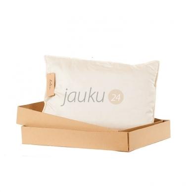 Rankų darbo vilnos užpildo pagalvė su porolono šerdimi (vidutinio aukščio) 2