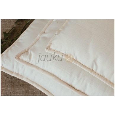 Rankų darbo vilnos užpildo pagalvė su porolono šerdimi (vidutinio aukščio) 4
