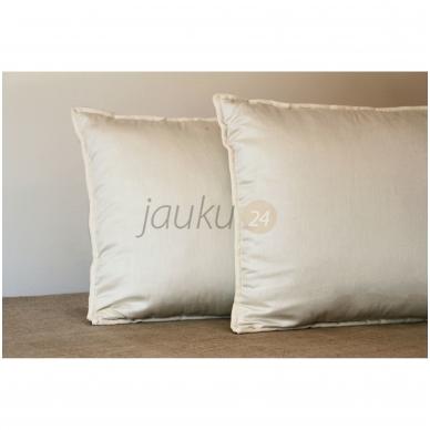 Rankų darbo vilnos užpildo pagalvė su porolono šerdimi (vidutinio aukščio) 5