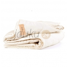 Universali rankų darbo antklodė su vilnos užpildu (įvairių dydžių)
