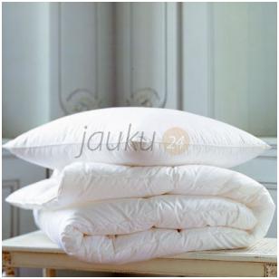 Vasarinė vaikiška pūkinė patalynės komplektas: antklodė ir pagalvė (90% pūkų, 10% plunksnų)