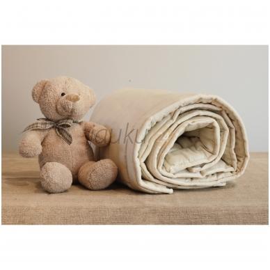 Vasarinė rankų darbo vilnos užpildo vaikiška antklodė (100x130 cm)