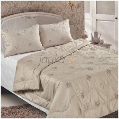 Žieminė antklodė su kupranugario vilnos užpildu (450 g/m²) 2